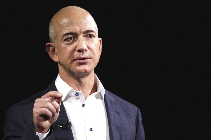 電子版】アマゾン、ベゾスCEOの純資産 16兆8000億円超 | ICT ニュース ...