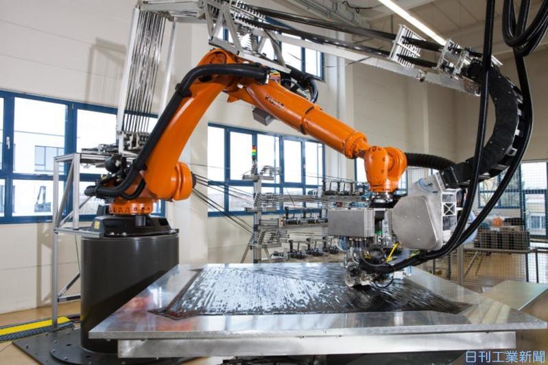 イリス、炭素繊維加工のロボシステム 車・航空機などに提案強化