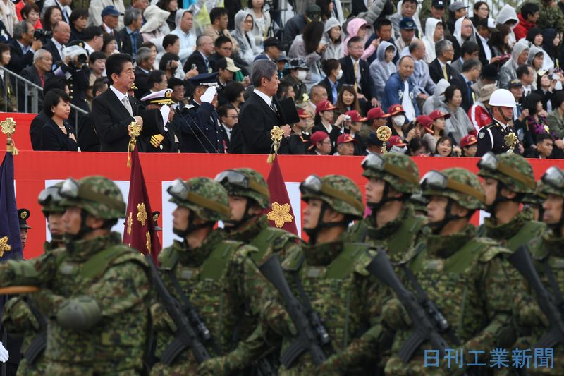 自衛隊観閲式開催、安倍首相 憲法改正に意欲 F35やオスプレイも ...