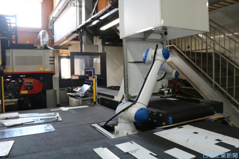 三松、協働ロボ本格導入 ワーク供給・搬送を省力化
