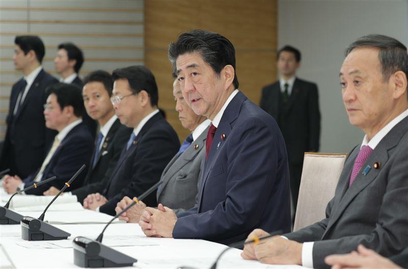 経済対策26兆円、閣議決定 災害復旧・五輪後に備え