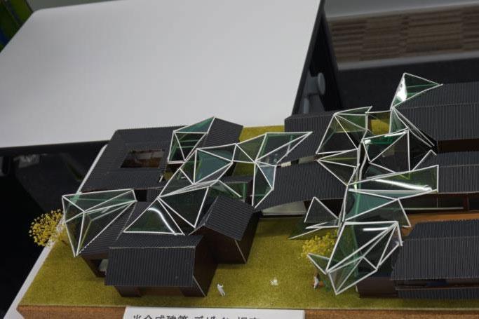 建築に光合成燃料電池 摂南大が考案 充電・照明などに活用