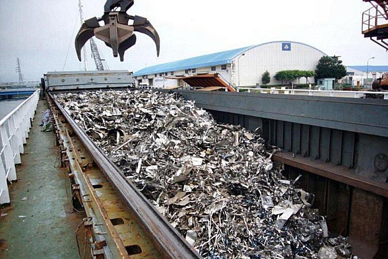 大阪の鉄スクラップ、様子見 出荷優先し需給に緩み