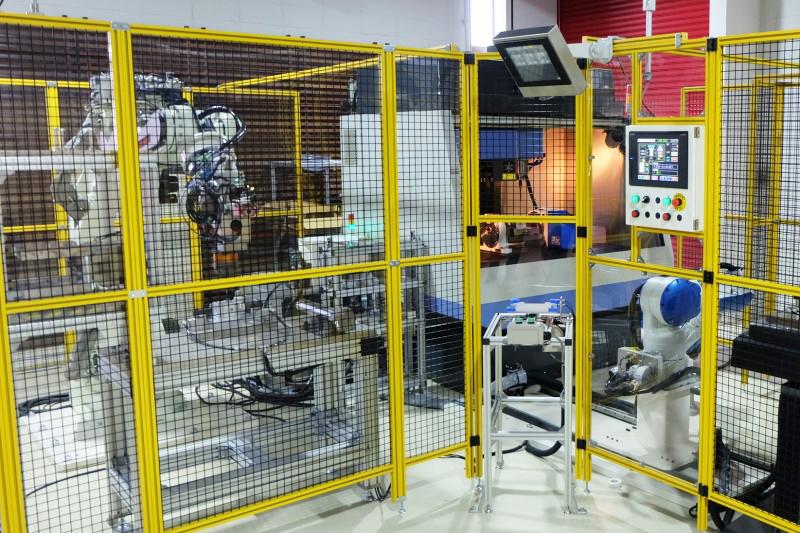 宮脇機械プラント、ロボ活用事例の展示拡充 ショールームに海外製