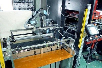 新分野に売って出る/藤原電子工業 ロボット事業