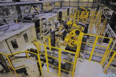 ファナック、ロボ部品加工を「夜間」無人化 1カ月連続稼働
