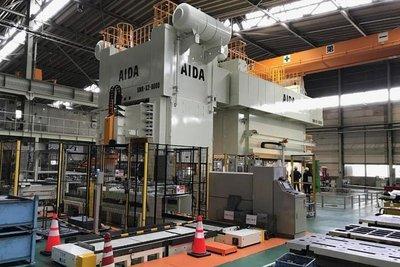 アイダエンジ、ロボ連動で生産性30%増 車部品成形ライン開発