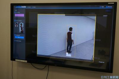 後ろ姿で人物特定 NTTコム、AIで防犯カメラ100台照合