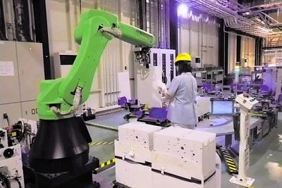 ファナック、自社工場モデルの協働ロボ提案 ライン最適化
