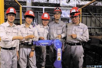 日鉄テックスエンジ、新入社員研修で飲料補充ロボ製作 コンビニ向け想定