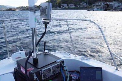 ドコモと東大、漁場5Gで遠隔監視 水中ドローン活用