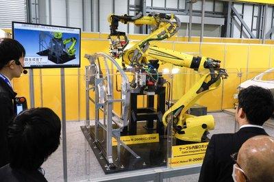 国際ロボット展/ファナック、協働ロボの仕様公開 周辺製品使いやすく