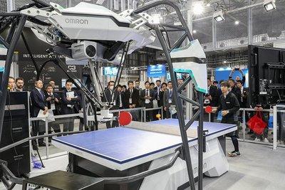 国際ロボット展/卓球ロボにゲームのAI オムロンとスクエニ、開発者語る