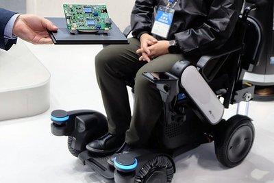 国際ロボット展/異なるメーカーのアームに迅速対応 OnRobotが互換接続装置