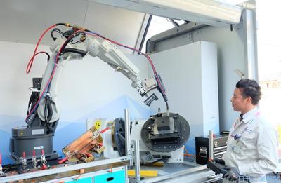 パナソニック、溶接機の国内営業を再編 周辺機器一体で拡販