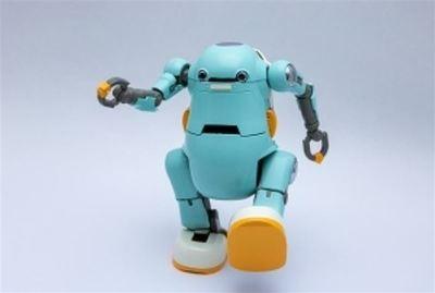 リビングロボット、二足歩行ロボ開発 小学校のプログラミング学習用