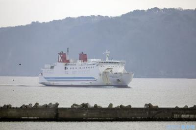 日本財団、無人運航船を実証 実際航路で長距離航行