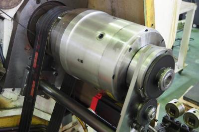 プラスエンジ、旋盤用チャックの電動化機構完成 サーボ駆動に