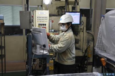 チェンジ 進化する部品メーカー(3)ニノミヤ 複雑形状・高精度鋳造強み
