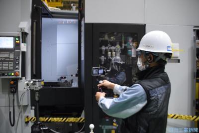 ジェイテクト 変わる工作機械工場(下)スマホ活用で業務合理化
