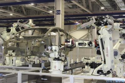 にっぽん再構築/産ロボ、飛躍の条件整う 車・半導体が順調な回復