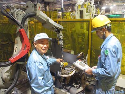 卓越―現代の名工/溶接ロボット運転士 クボタ堺製造所・中屋隆彦氏 溶接の自動化加速に尽力