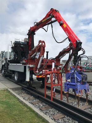 テムザック、鉄道保線ロボ開発 地方路線で普及目指す