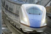 北陸新幹線、南回りで大阪へ JR西社長「運営に最善尽くす」